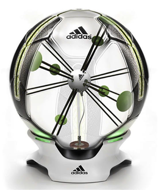 サッカーボール:adidas miCoach smart ball