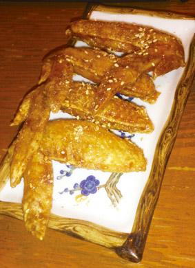 美味しい料理を味わい、3種のビールを飲み、 名古屋の夜は更けていくのでした・・・